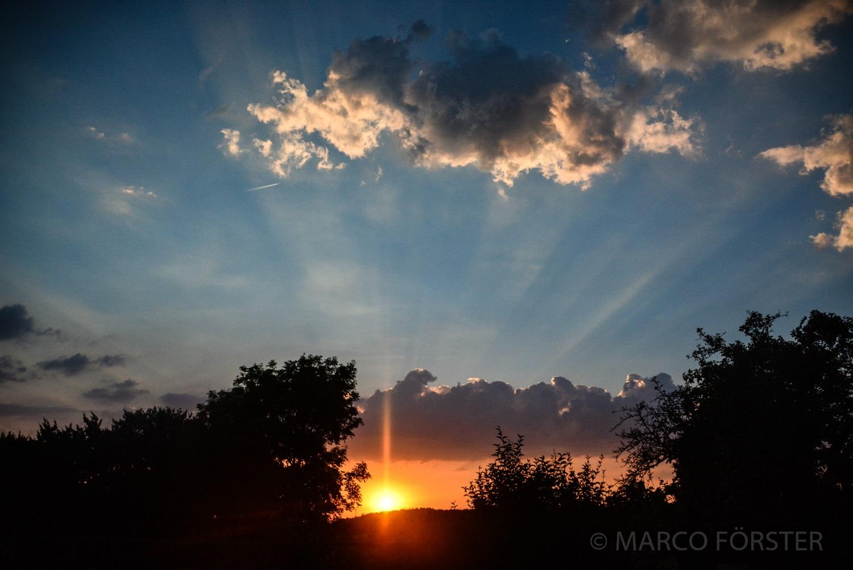 Sonne, Wolken, Sonnenstrahlen, Laage